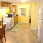 Crashpad with a fully equipped kitchen in Atlanta